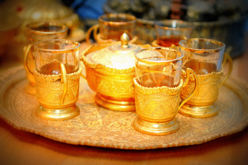 golden teapot set